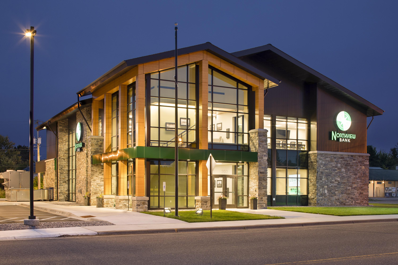 Northview Bank, Illuminated Exterior