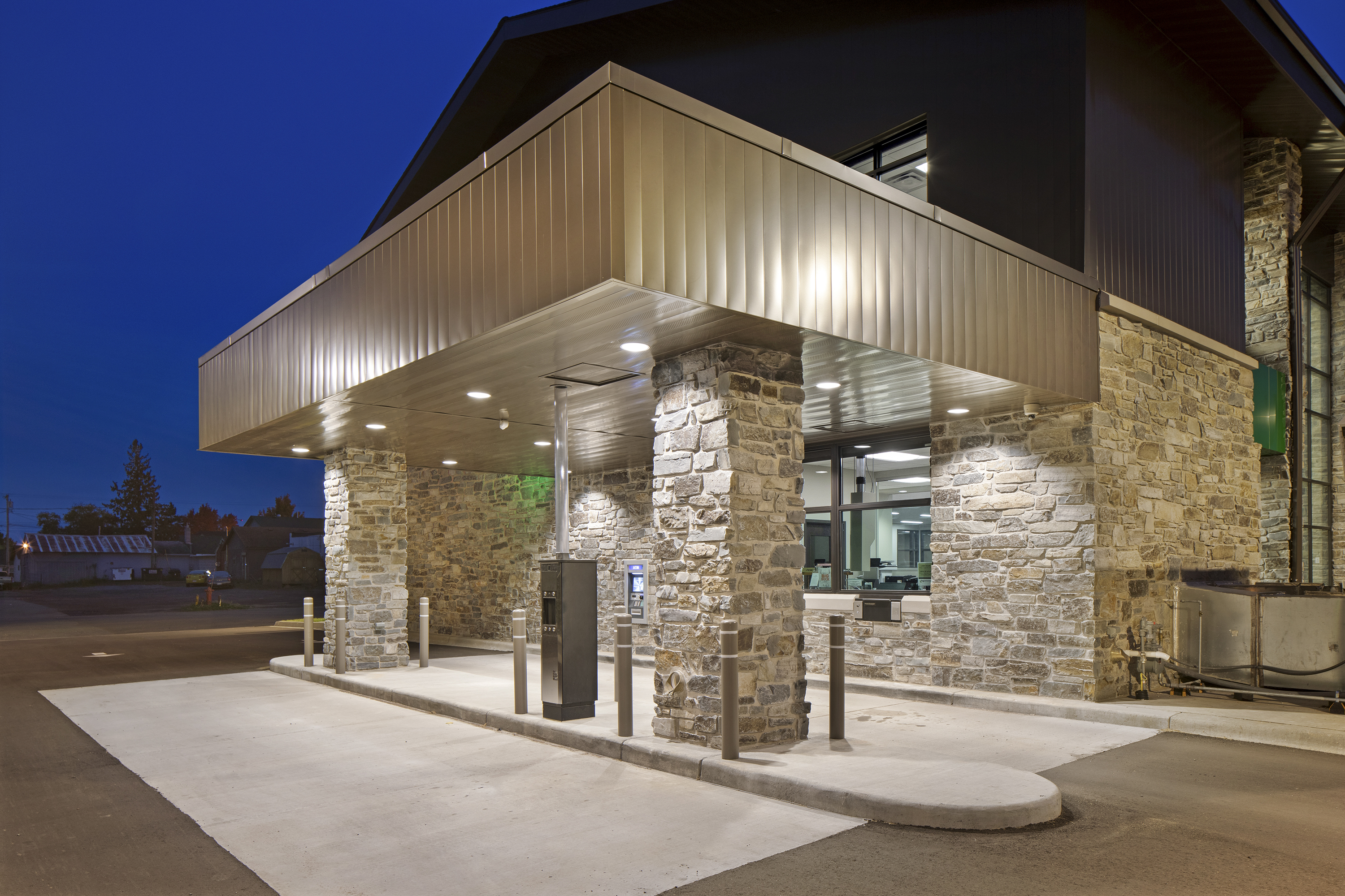 Northview Bank, Illuminated Drive Through